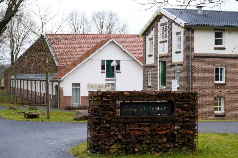 Arnhem02